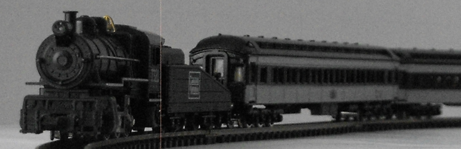 Minitrix 12812 0-6-0 Canadian National, Model Power 8619 Coach & Model